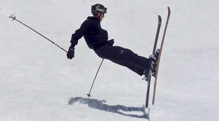 Slalom Slope Ski Fail